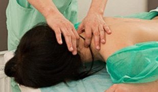 treatment of cervical osteochondrosis by massage